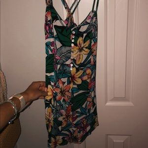 Floral romper size Large fits like a Medium